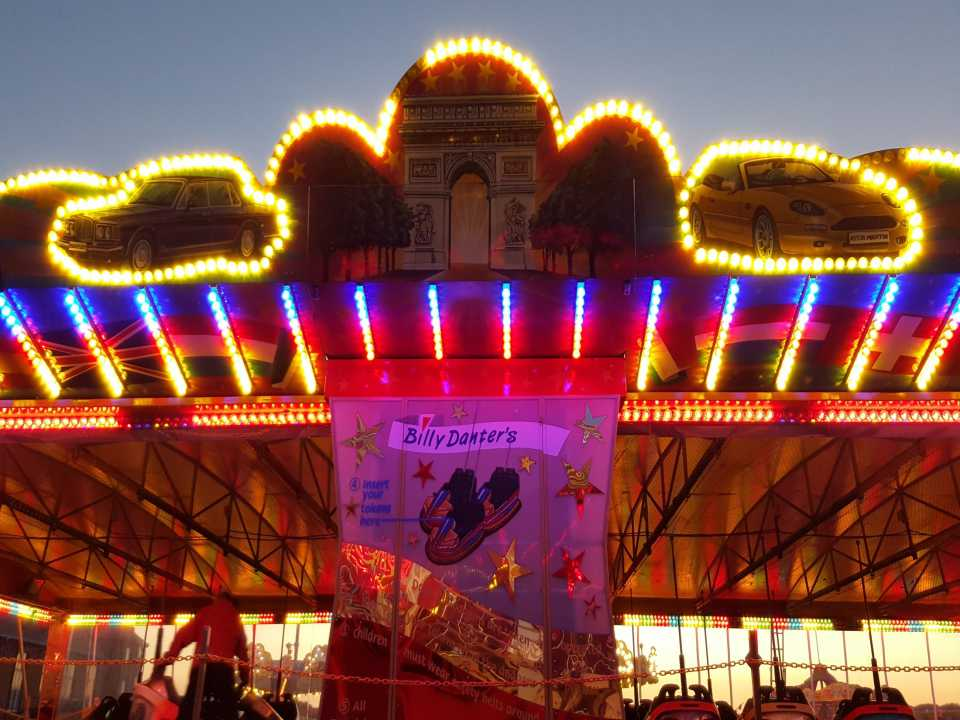 amusement park lighting